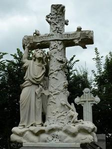 Begraafplaats_grafmonument_met_engel