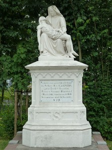 Begraafplaats_piëta_grafmonument_voor_pastoor_Evers